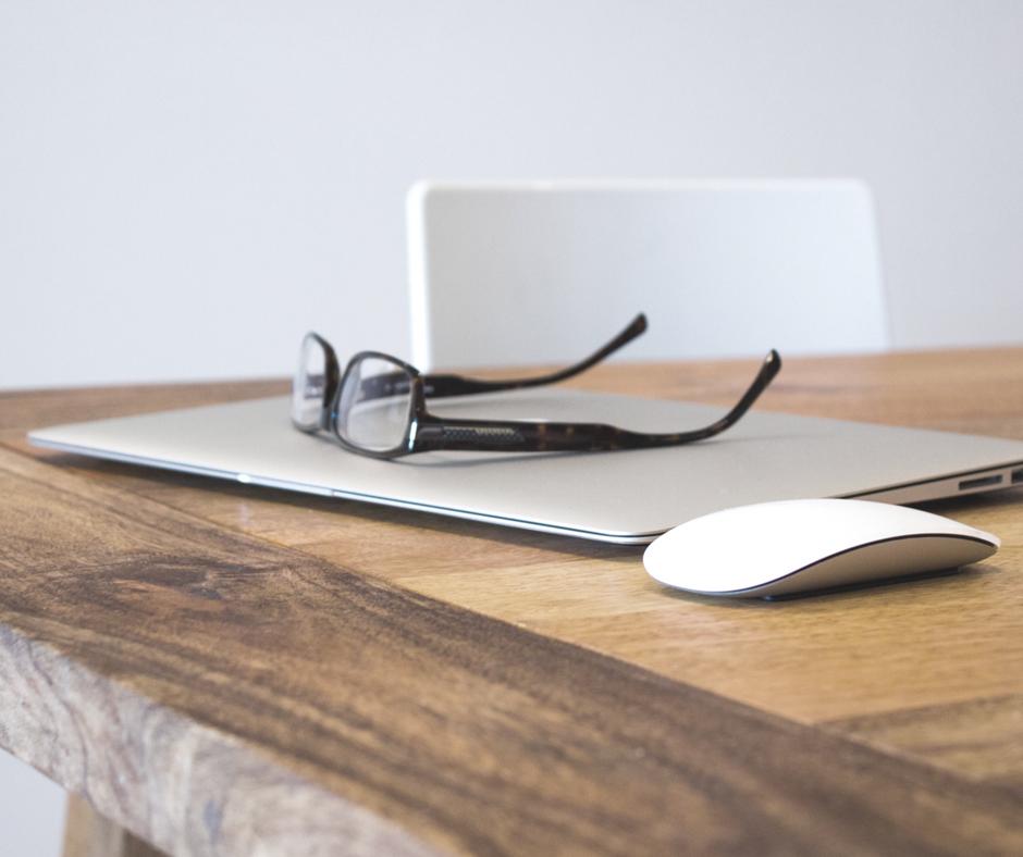 Stosunek pracy: Umowa o pracę czy umowa zlecenie