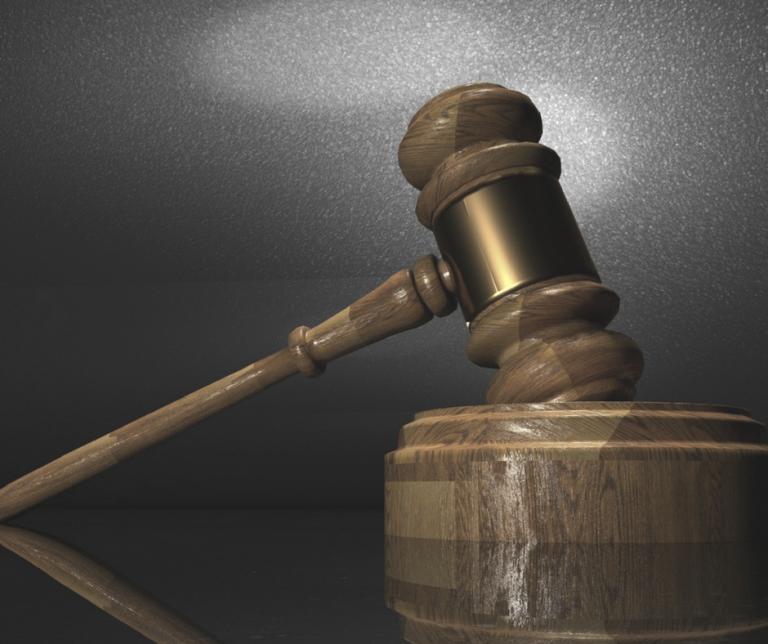 Sędziowie mogą kłamać wswojej sprawie
